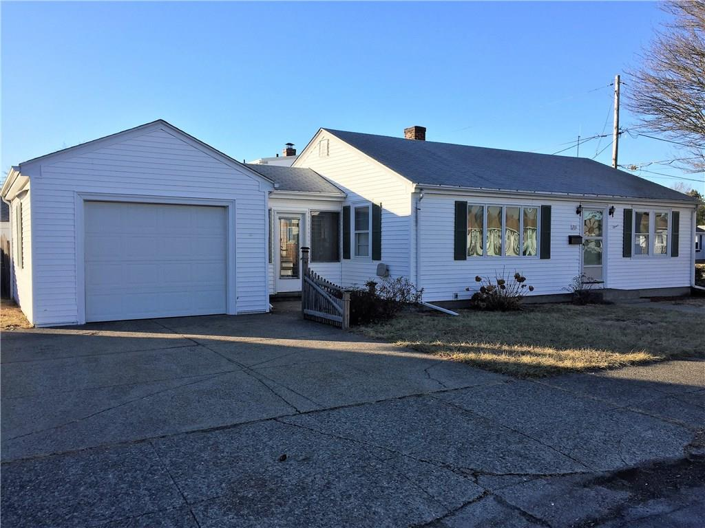 211 Annie ST, Darlington, Pawtucket, RI 02861